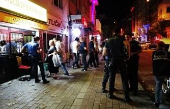 Bursa'da silahlı saldırgan restoranı bastı: 2 yaralı