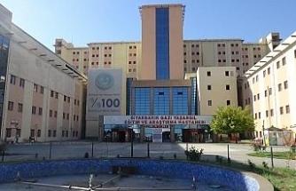 Diyarbakır'da 370 sağlık çalışanı korona virüse yakalandı, 2'si hayatını kaybetti