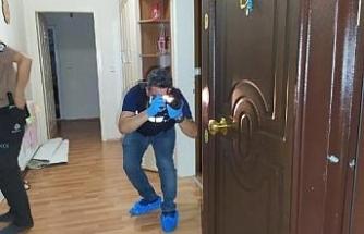 Ev sahibi ile balkonda göz göze gelen hırsız 2'inci kattan atladı