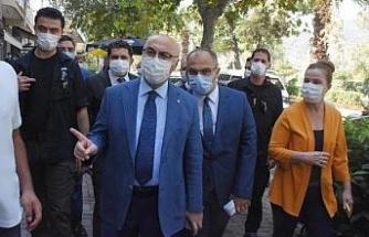 İzmir'de protokolün katılımıyla koronavirüs denetimi