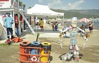 Marmaris'te plajlardaki çöpler temizlendi