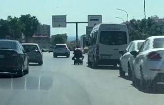 (Özel) Akülü engelli aracıyla tehlikeli yolculuk kamerada