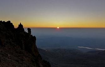 (Özel) Erciyes'te tarifeli zirve tırmanışları başlıyor