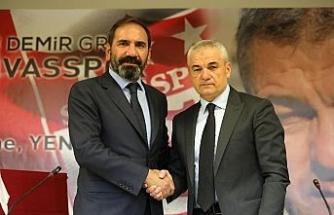 Sivasspor, Rıza Çalımbay ile yola devam ediyor