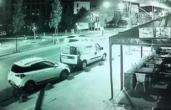 Sultangazi'de bisikletli çocuğa otomobil çaptı: 2 'si ağır 7 yaralı