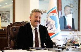 Başkan Palancıoğlu Kayserili sporcu Turgay Bayram'ı tebrik etti
