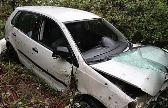Dere yatağına uçan otomobilin sürücüsü kurtarılamadı