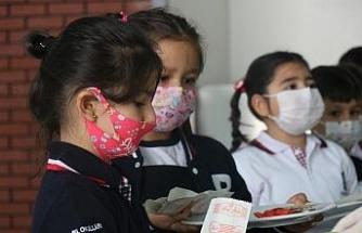 Kırşehir'de eğitim-öğretim yılı ilk günü heyecanını veliler çocukları ile yaşadı