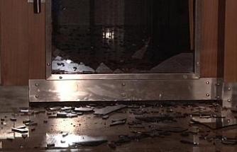 Maltepe'de evinin önünde oturan şahıs silahlı saldırıya uğradı