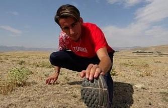 Milli atlet, tarlada Avrupa Gençler Şampiyonası'na hazırlanıyor