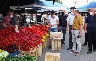 Semt pazarında korona denetimi