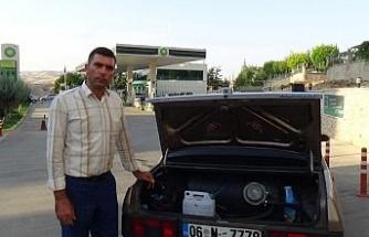 Siirt'te yaşayan fizik mühendisi, arabasını suyla çalıştıran cihaz yaptı