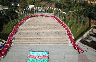 97 metrelik dev Türk bayrağı Cumhuriyet Bayramı'na özel  Pendik Millet Bahçesi'nde açıldı