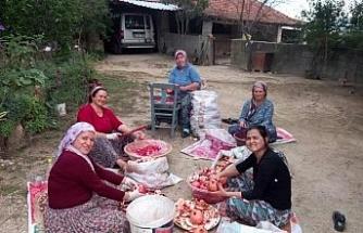 Aydın'da narlar şifa için kaynatıldı