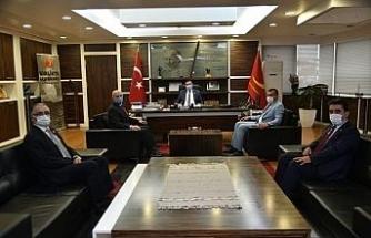 Belediye Başkanı Vidinlioğlu'ndan muhtarlara kutlama