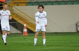 Bursasporlu Ali Akman durdurulamıyor