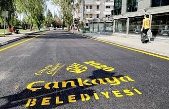 Çankaya Belediyesi asfalt çalışmalarına hız kesmeden devam ediyor