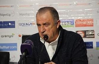 """Fatih Terim: """"3 puan bize iyi geldi ama Falcao'yu kaybettiğimize üzgünüz"""""""