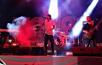 Manga konseri İzmit'in Cumhuriyet'in coşkusunu arttırdı