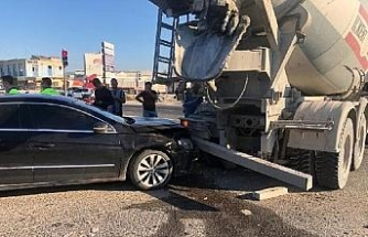 Manisa'da, 3 aracın karıştığı zincirleme kazada 3 kişi yaralandı