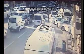 (Özel) Bursa'da kaza anı kamerada...Hiç frene basmadı