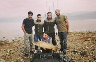 Sakaryalı amatör balıkçıdan örnek davranış