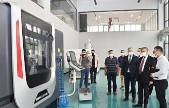 Vali Su, model fabrika ve inovasyon merkezinde incelemelerde bulundu