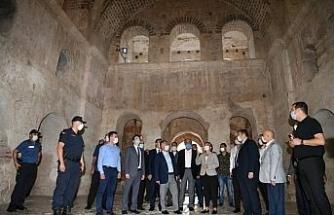 """Vali Yazıcı: """"Hedefimiz turizmi 12 aya yaymak"""""""