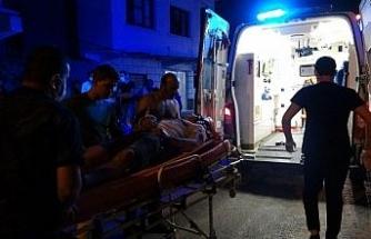 Yayalara çarpan alkollü sürücüye bir vatandaş tampon yaptı