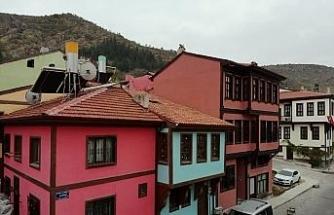 Afyon'un konuşan tarihi sokakları misafirlerini bekliyor