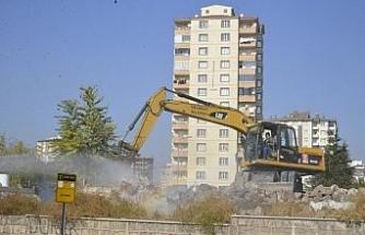 Battalgazi Mahallesi'ndeki metruk yapılar yıkılıyor