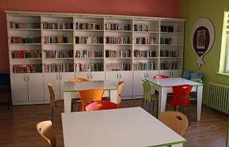 Sosyal medyada organize olup şehitler için kütüphane açıyorlar