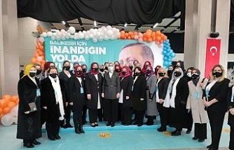 """AK Partili Çam, CHP'li kadınlara seslendi: """"Partilerinde kadınlara yapılan taciz ve tecavüzlere neden ses çıkarmıyorlar?"""""""