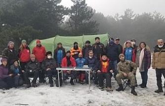Arama kurtarma ekiplerine kar altında eğitim