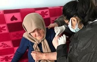 Cide'de 85 yaş ve üzeri vatandaşların ilk doz aşıları tamamlandı
