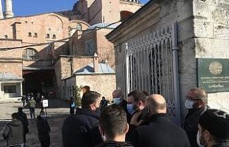 Dündar Osmanoğlu için Ayasofya'da gıyabi cenaze namazı kılındı
