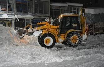 Güroymak'ta karla mücadele çalışması