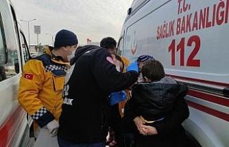 İki otomobil kafa kafaya çarpıştı: 1'i çocuk 2 yaralı