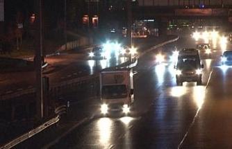 İstanbul'da sokağa çıkma kısıtlaması sona erdi, yollarda hareketlilik başladı