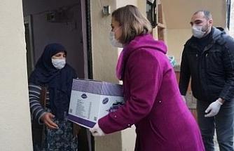 İzmit Belediyesinden binlerce aileye yardım