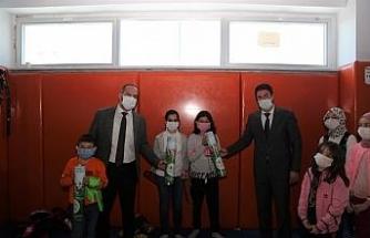 Niğde Belediye Başkanı Özdemir Okçuluk Kursunu Ziyaret Etti