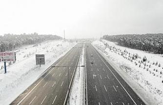 (ÖZEL) İstanbul'da lapa lapa kar yağışı havadan böyle görüntülendi
