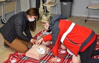 Şehzadeler Belediyesi personeline ilkyardım dersi