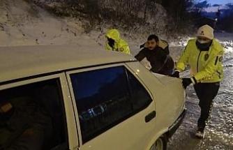 Sinop'ta emniyet güçlerinin kar mesaisi