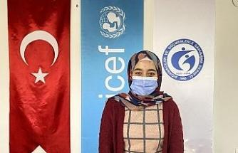 Suriyeli Sidra daha iyi bir hayat için üniversite eğitimine devam ediyor