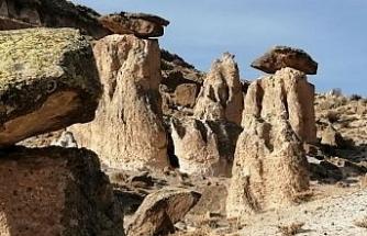 Yeşilhisar Akköy'deki peri bacaları turizme kazandırılmayı bekliyor