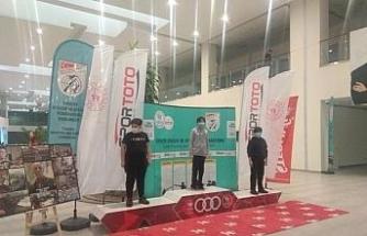 Yiğit Alp Zeki'den Havalı Tabancada Türkiye rekoru
