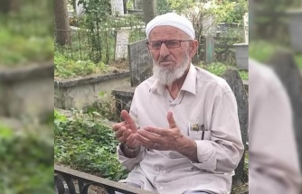 20 yılda bin kez Kur'an-ı Kerim'i hatmetmiş