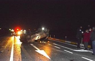 Ayvalık'ta 3 araç birbirine girdi: 2 yaralı