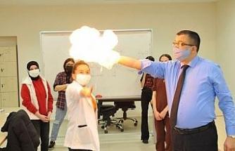 Çan Belediyesi ile gençler bilim ışığında ilerliyor